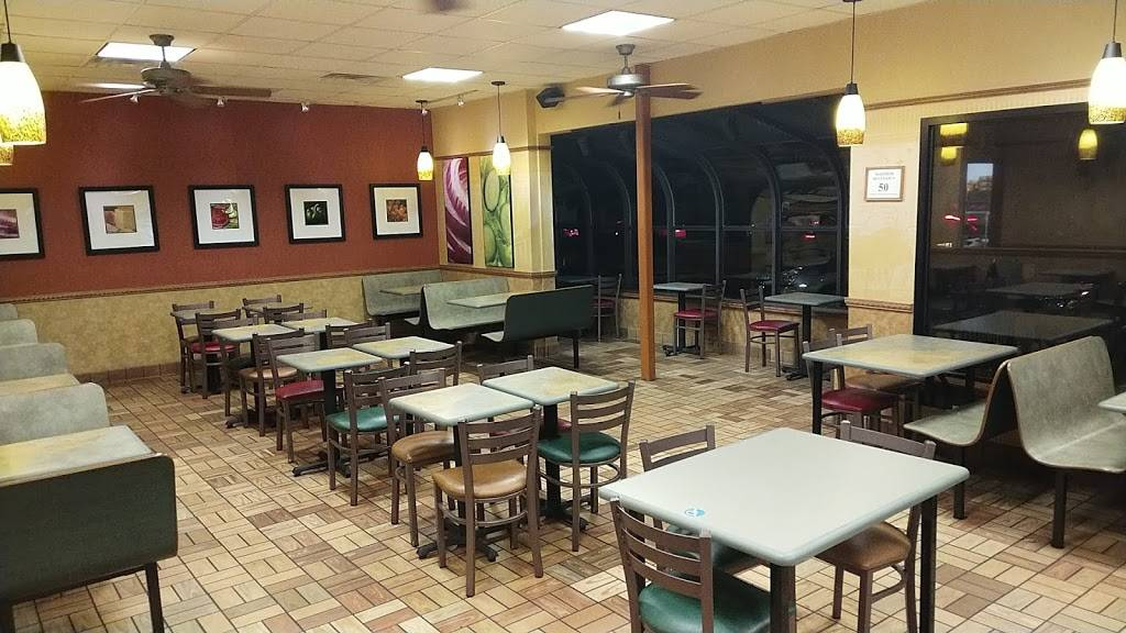 Subway | restaurant | 98A N 10th St, Noblesville, IN 46060, USA | 3177737648 OR +1 317-773-7648