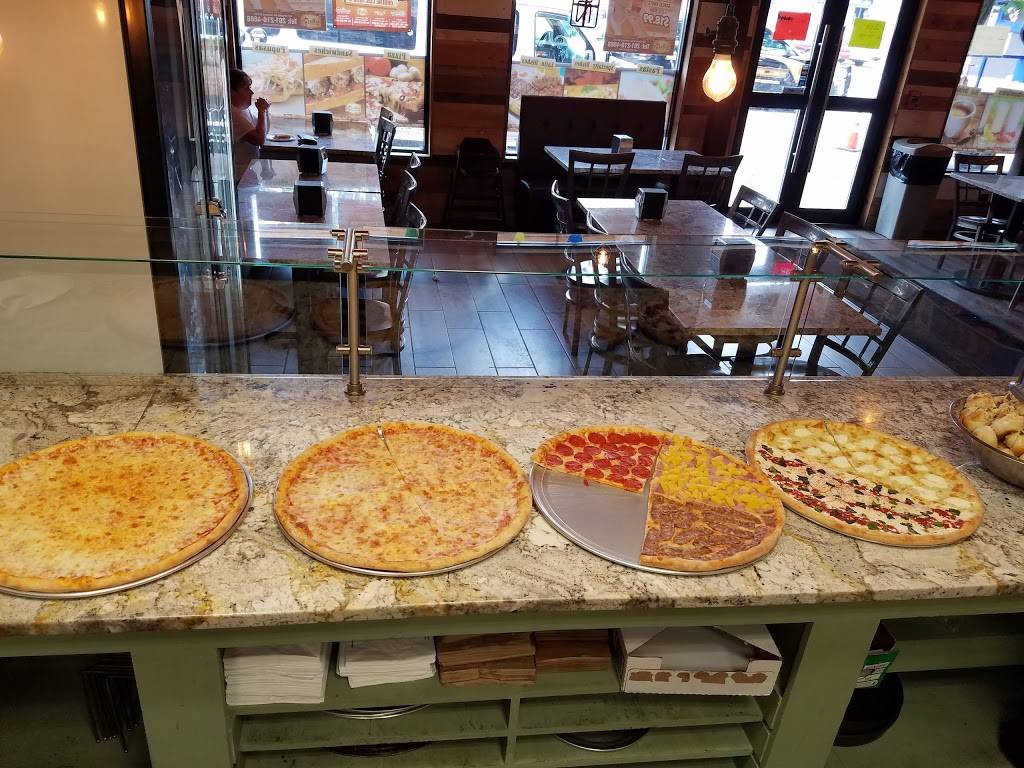El Farolito | restaurant | 6901 Bergenline Ave, Guttenberg, NJ 07093, USA | 2012104668 OR +1 201-210-4668