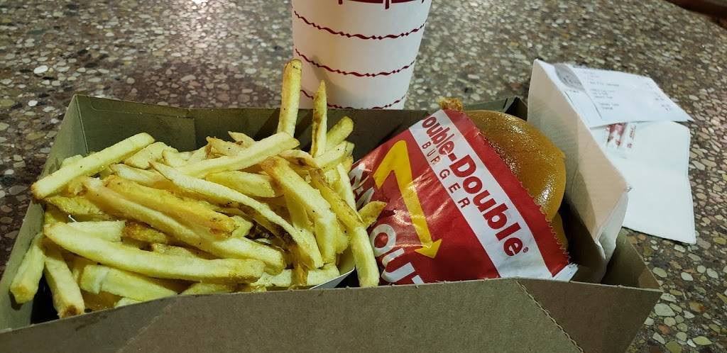 In-N-Out Burger   restaurant   15259 Amar Rd, La Puente, CA 91744, USA   8007861000 OR +1 800-786-1000