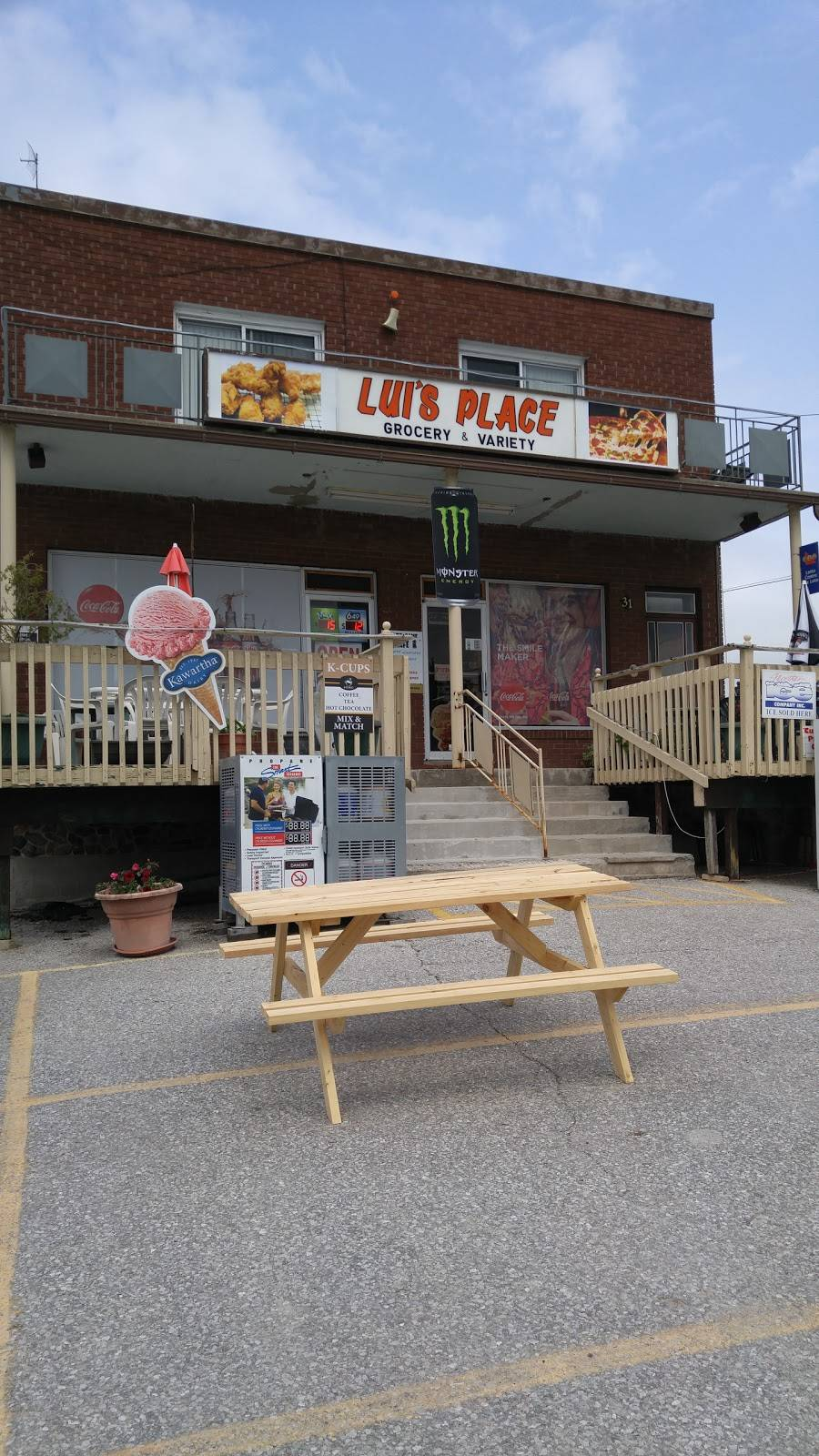 Luis Place | meal takeaway | 31 King St N, Cookstown, ON L0L 1L0, Canada | 7054581211 OR +1 705-458-1211
