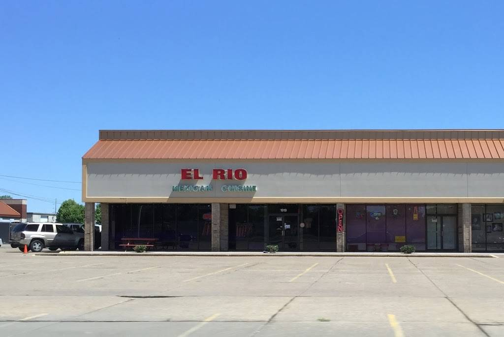 El Rio | night club | 1919 N Green River Rd, Evansville, IN 47715, USA | 8124711400 OR +1 812-471-1400