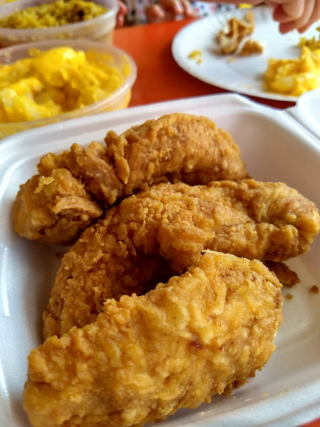 Chicken Delight | meal takeaway | 7718 Bergenline Ave, North Bergen, NJ 07047, USA | 2018694900 OR +1 201-869-4900
