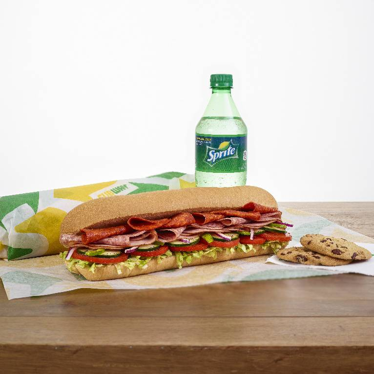 Subway | meal takeaway | 600 North, MO-7, Blue Springs, MO 64015, USA | 8162287007 OR +1 816-228-7007