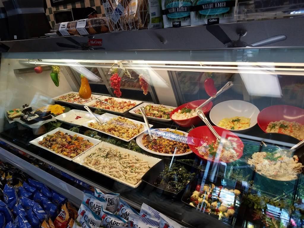 Newtown Deli   restaurant   79 S Main St, Newtown, CT 06470, USA   2033641218 OR +1 203-364-1218