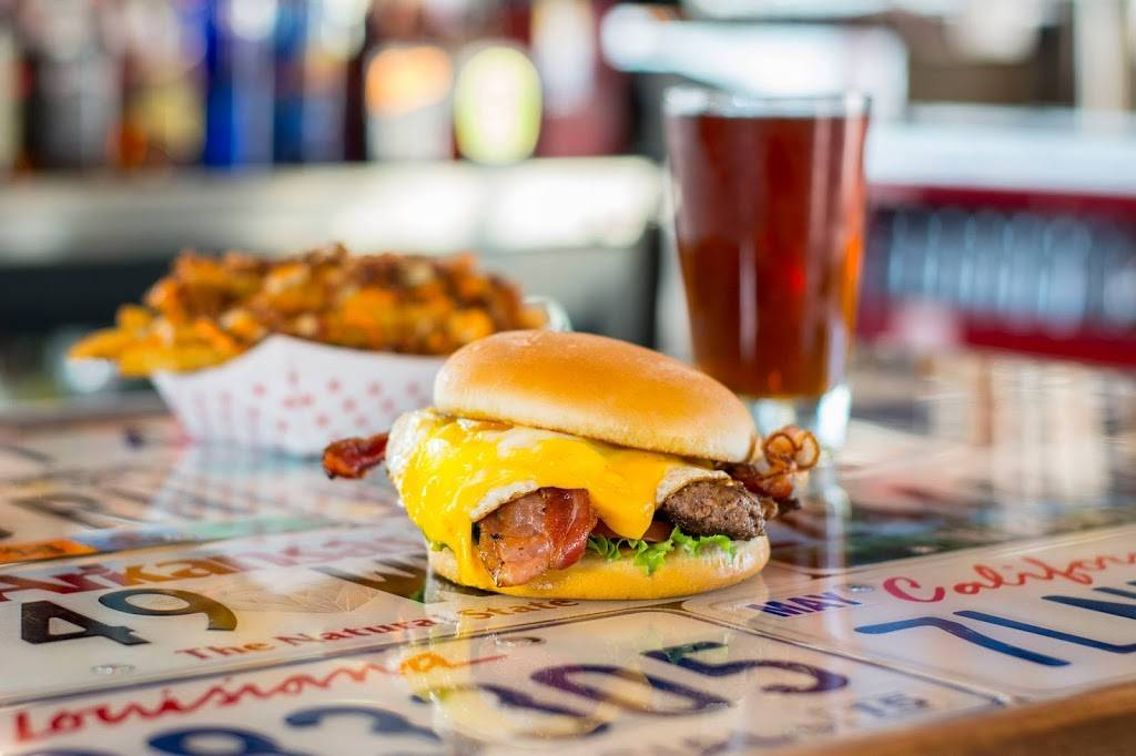 Smittys Garage Burgers & Beer | restaurant | 4200 S 48th St #50, Rogers, AR 72758, USA | 4798996901 OR +1 479-899-6901
