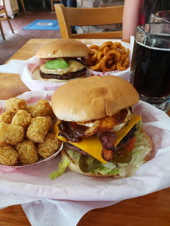 Dels Charcoal Burgers | restaurant | 110 S McKinney St, Richardson, TX 75081, USA | 9722359191 OR +1 972-235-9191