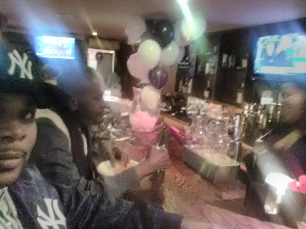 Studio 735 Bar and Lounge | restaurant | 735 St Nicholas Ave, New York, NY 10031, USA | 9173261138 OR +1 917-326-1138
