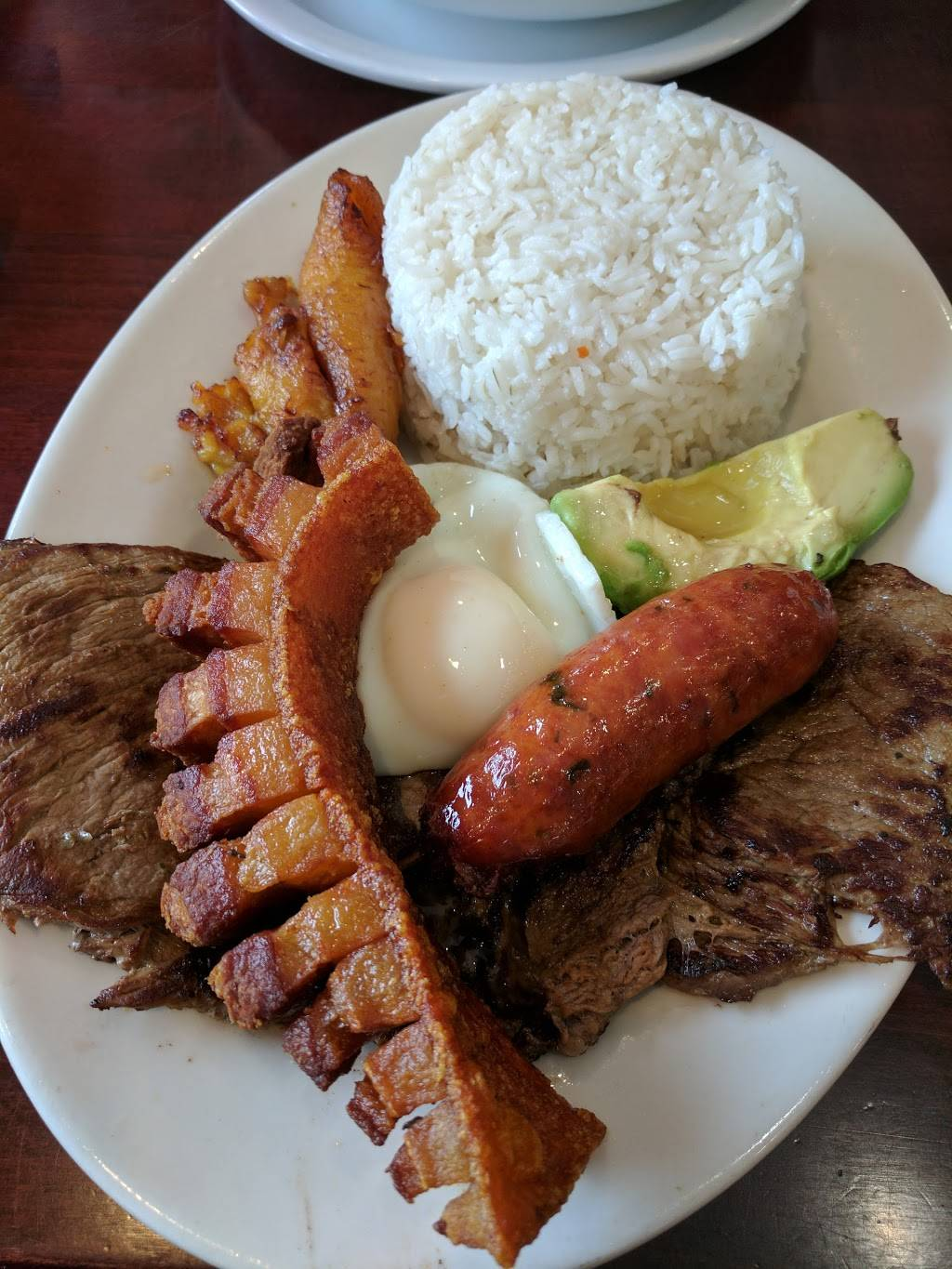 Noches de Colombia   restaurant   231-233 Central Ave, Jersey City, NJ 07307, USA   2012222617 OR +1 201-222-2617