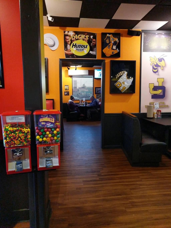 Dicks Wings And Grill Hazlehurst, GA | restaurant | 11 W Coffee St, Hazlehurst, GA 31539, USA | 9125519364 OR +1 912-551-9364