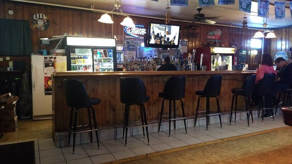 The Break Room Bar And Grill - Restaurant | 966 Station Rd, Twin Rocks, PA  15960, USA