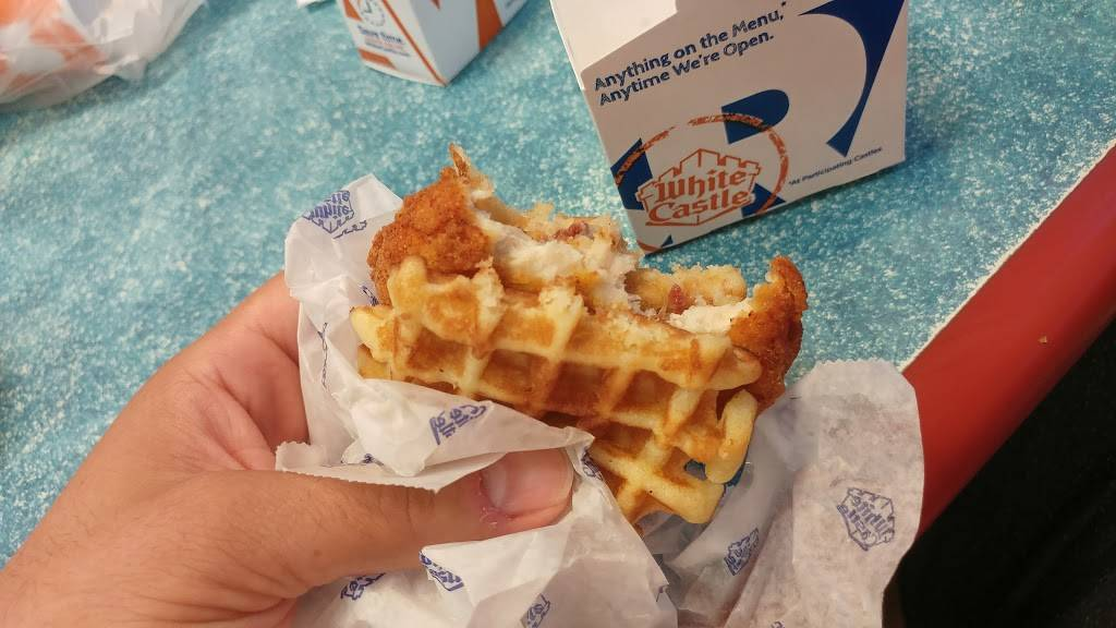 White Castle | restaurant | 1690 Deer Park Ave, Deer Park, NY 11729, USA | 6312424380 OR +1 631-242-4380