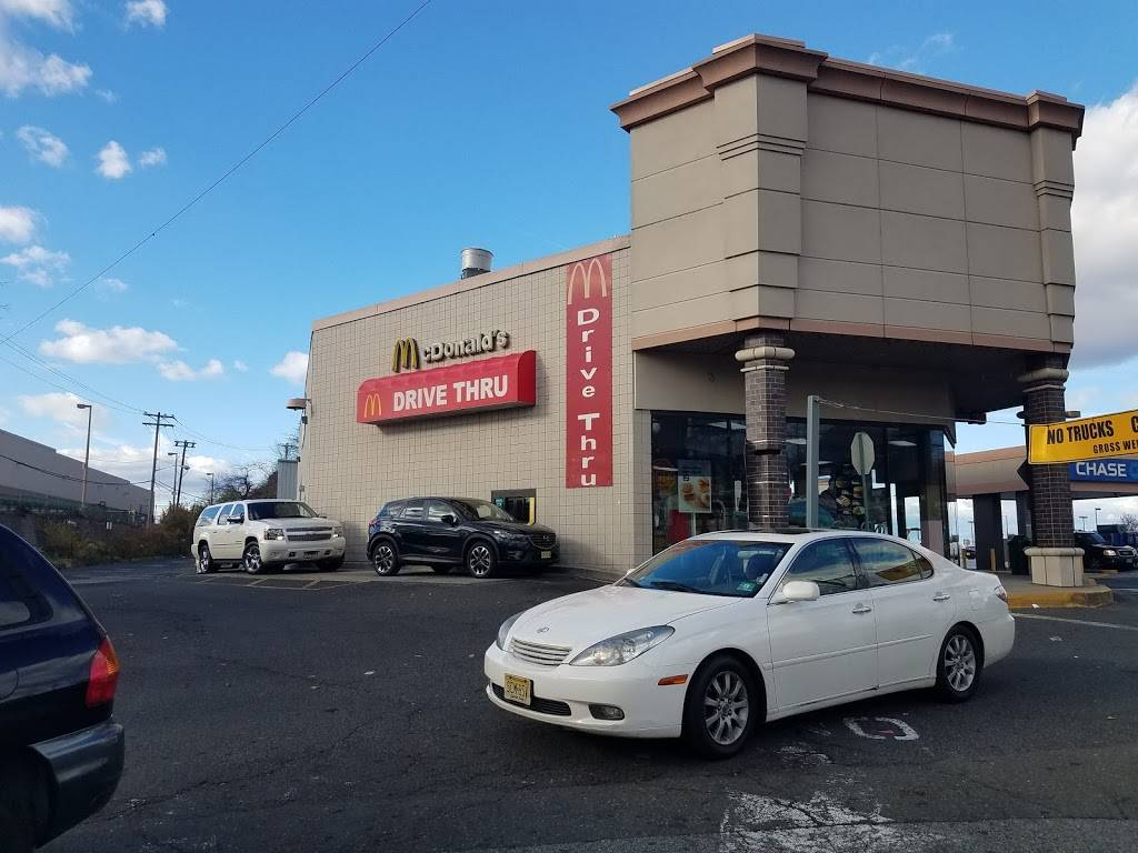 McDonalds | cafe | 8101 Tonnelle Ave, North Bergen, NJ 07047, USA | 2018689888 OR +1 201-868-9888