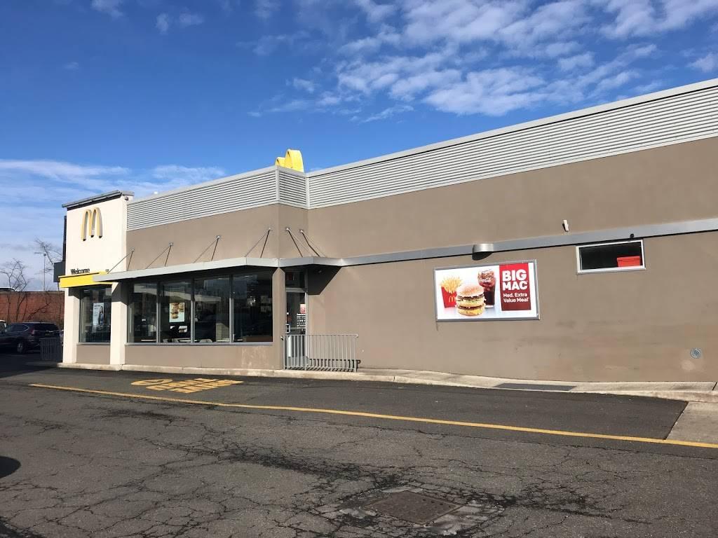 BP | restaurant | 59-36 Maurice Ave, Maspeth, NY 11378, USA | 7183263638 OR +1 718-326-3638