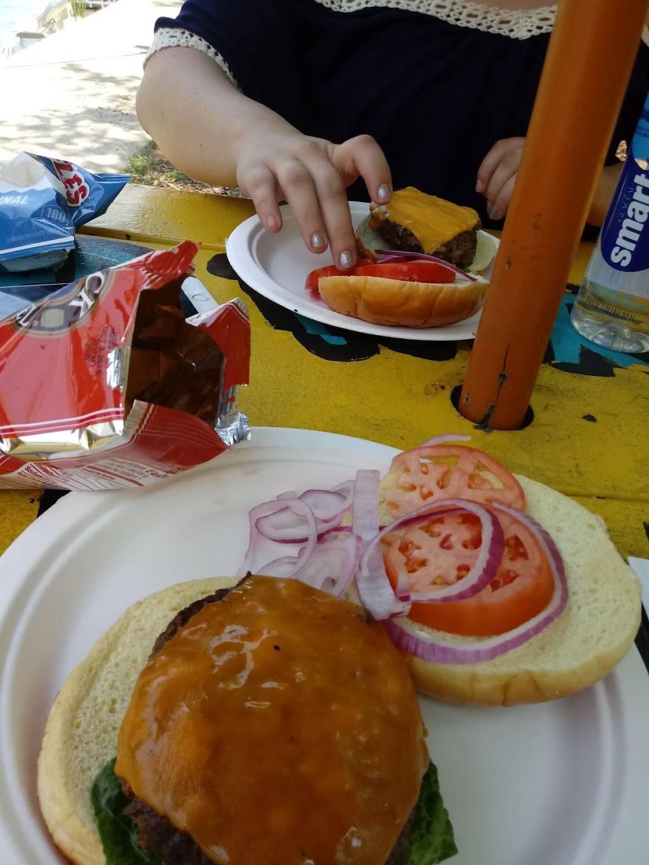 Island Party Hut | restaurant | 355 Chicago Riverwalk, Chicago, IL 60601, USA | 3126000488 OR +1 312-600-0488