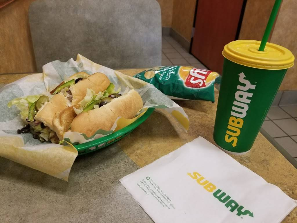 Subway | meal takeaway | 7009 265th St NW Suite 101, Stanwood, WA 98292, USA | 3606292678 OR +1 360-629-2678