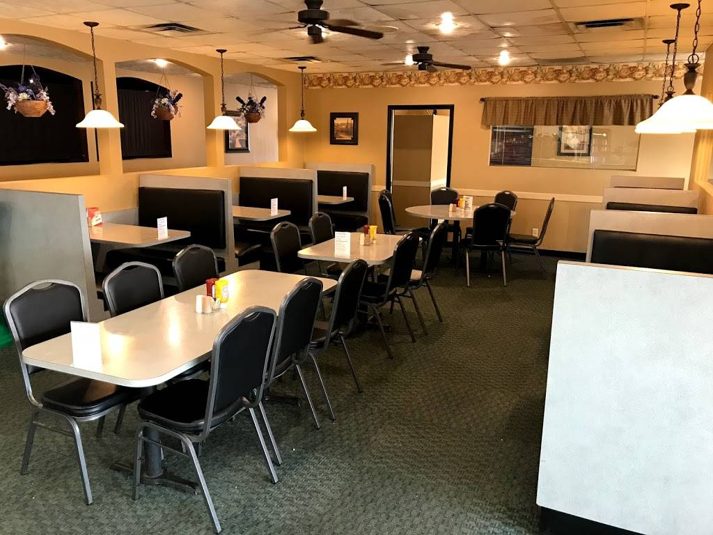 Cooks Café | restaurant | 207 8th St Suite A, Sheldon, IA 51201, USA | 7123247288 OR +1 712-324-7288