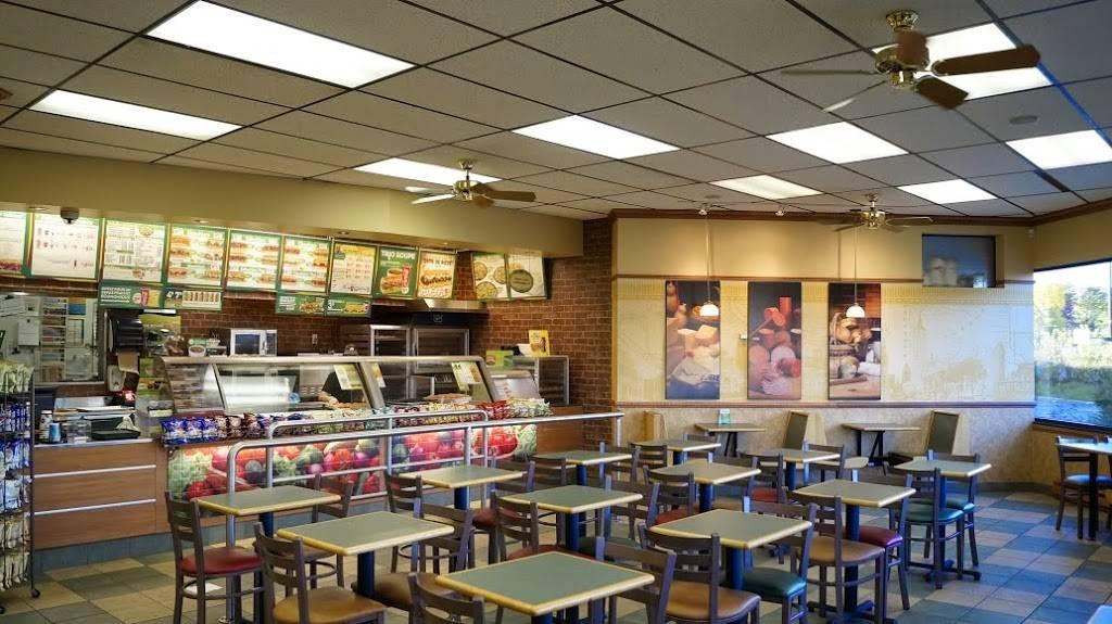 Subway | restaurant | 2960 Boulevard Laurier, Québec, QC G1V 4S1, Canada | 4186502992 OR +1 418-650-2992