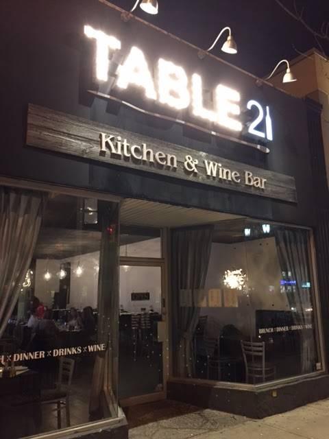 Table 21 Kitchen Wine Bar Restaurant 2956 Bloor St W Etobicoke On M8x 1b7 Canada