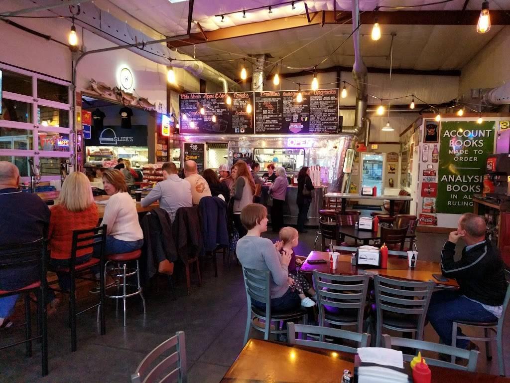 Slicks Burgers   restaurant   309 E Main St, Chattanooga, TN 37408, USA   4237604878 OR +1 423-760-4878