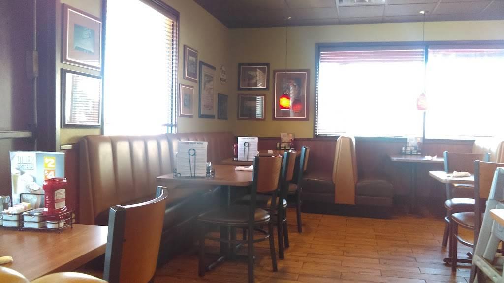Dennys   restaurant   3543 Jim Wright Fwy, Lake Worth, TX 76135, USA   8176259232 OR +1 817-625-9232