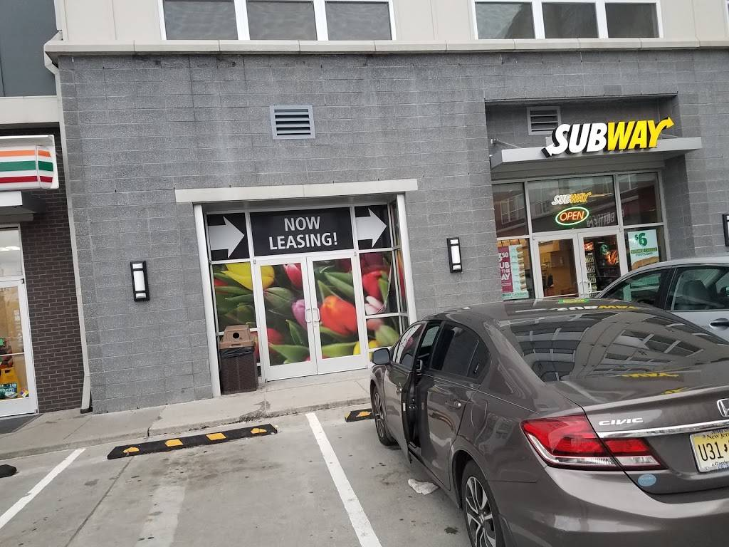 Subway Restaurants | restaurant | 5665 Kennedy Blvd Unit 4 Avalon, North Bergen, NJ 07047, USA | 2017661994 OR +1 201-766-1994