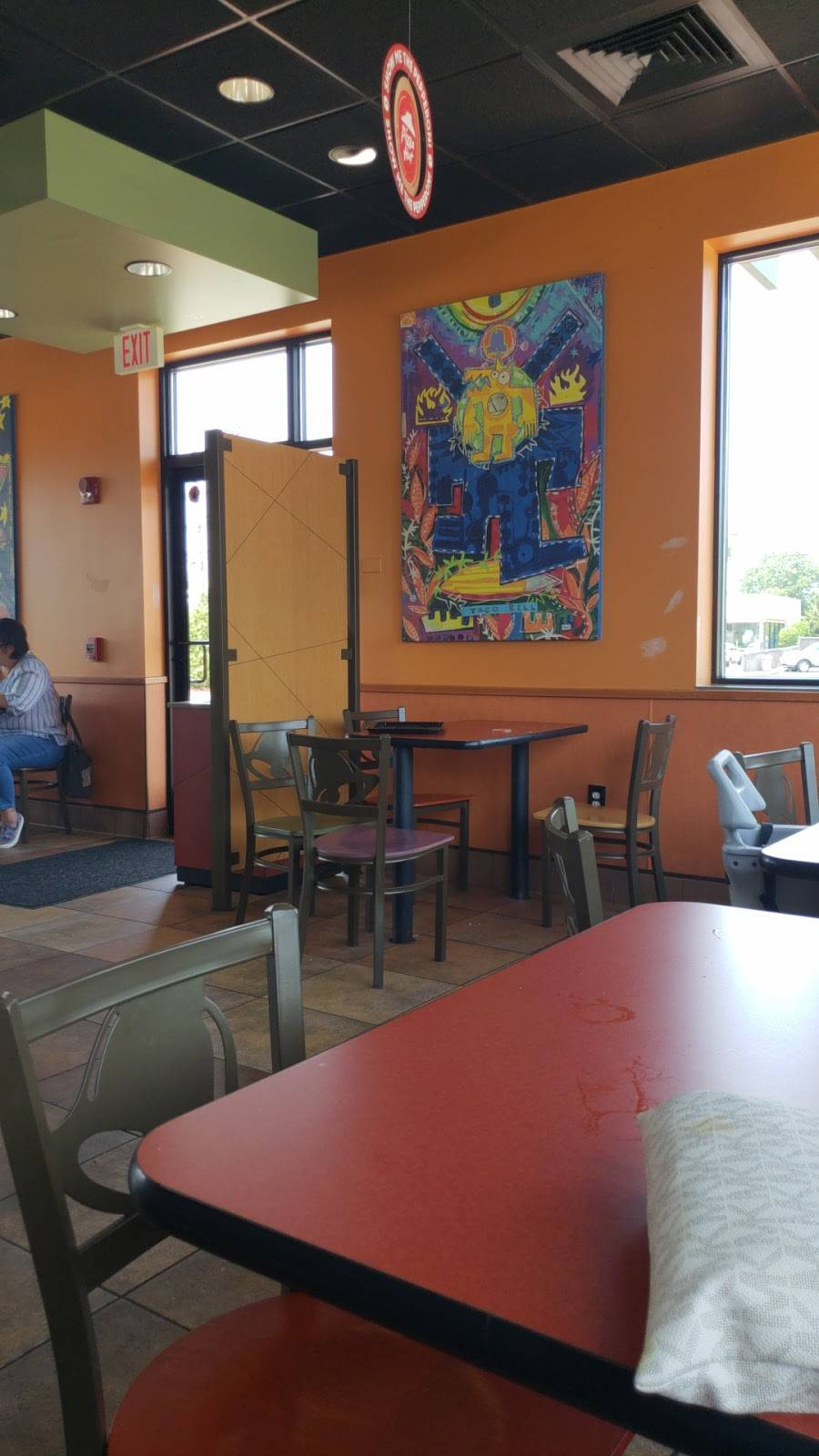 Taco Bell   meal takeaway   311 Montauk Hwy, Lindenhurst, NY 11757, USA   6312266795 OR +1 631-226-6795