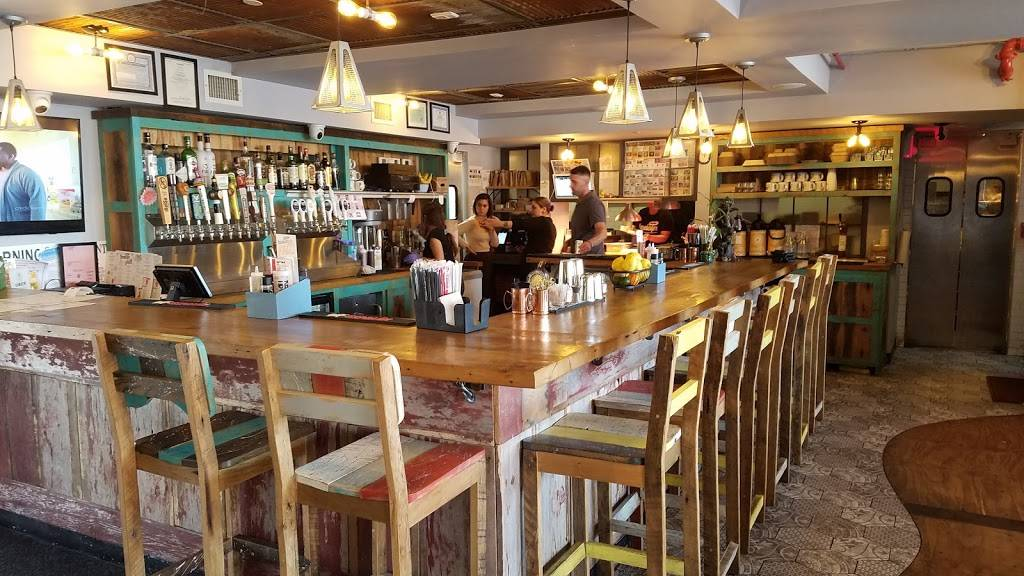 Bareburger   restaurant   399 S Oyster Bay Rd, Plainview, NY 11803, USA   5169323500 OR +1 516-932-3500