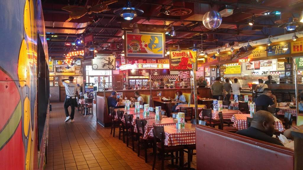 Portillos Hot Dogs | meal takeaway | 17500 S Halsted St, Homewood, IL 60430, USA | 7089912061 OR +1 708-991-2061