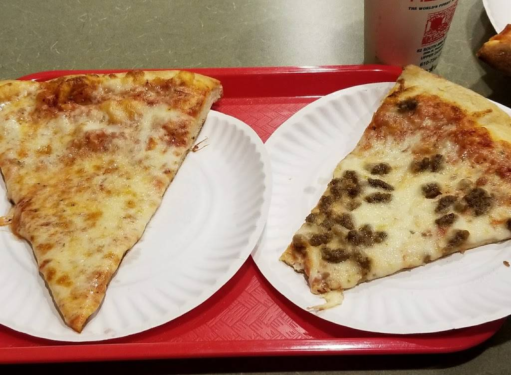 Leandros Pizza House | restaurant | 62 S 69th St, Upper Darby, PA 19082, USA | 6107341226 OR +1 610-734-1226