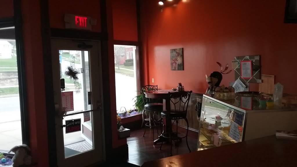 Chicos Cafe and Bake Shoppe | restaurant | 101 W Main St, Smethport, PA 16749, USA | 8145682115 OR +1 814-568-2115