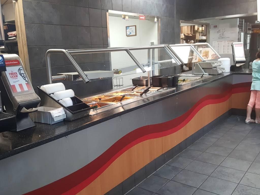 KFC | restaurant | 701 Pine St, Monticello, MN 55362, USA | 7632953375 OR +1 763-295-3375