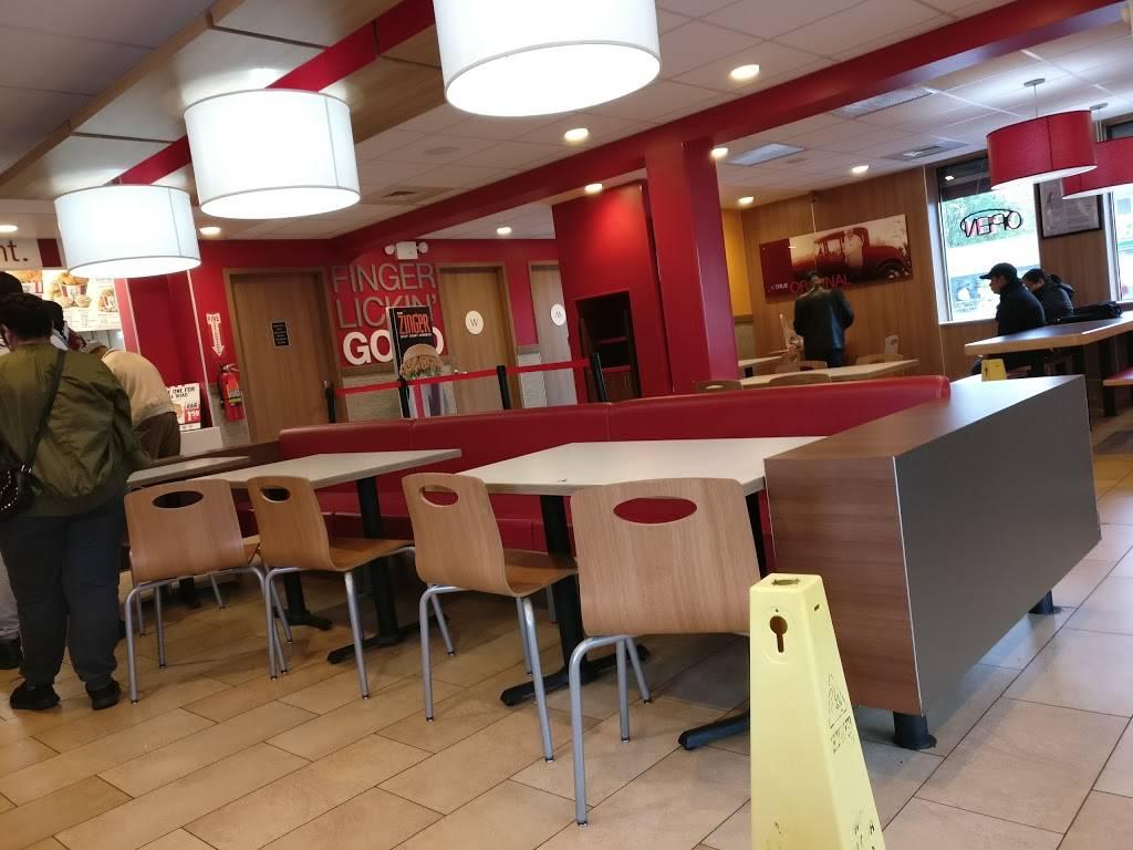 KFC | restaurant | 1959 Bruckner Blvd, Bronx, NY 10472, USA | 7184094061 OR +1 718-409-4061