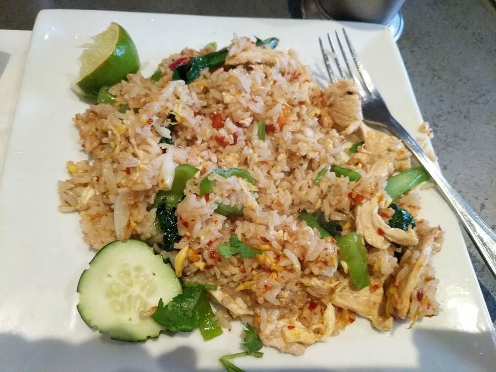 Thai Holic | restaurant | 372 Myrtle Ave, Brooklyn, NY 11205, USA | 7182229992 OR +1 718-222-9992