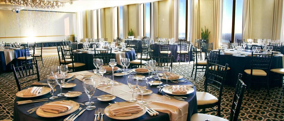 The Mid-America Club | restaurant | 200 East Randolph Drive, 80th Floor, Chicago, IL 60601, USA | 3128611100 OR +1 312-861-1100