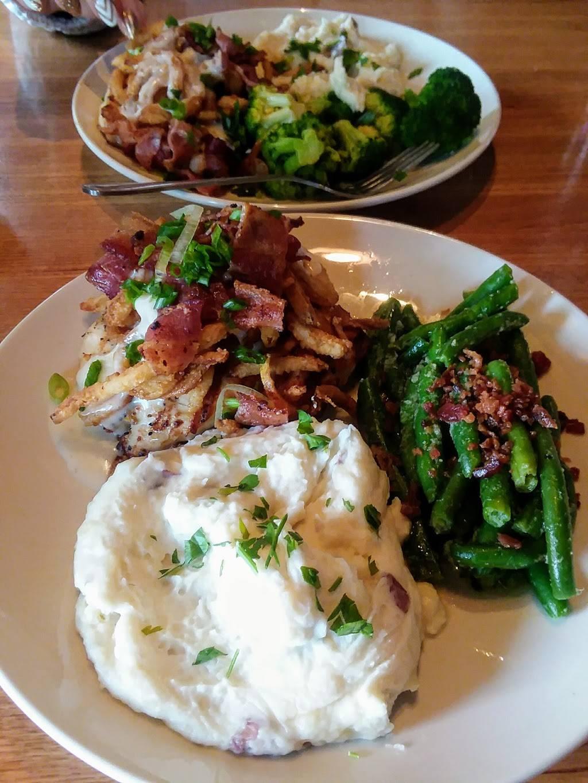 Applebees Grill + Bar | restaurant | 3026 Gateway St, Springfield, OR 97477, USA | 5417441364 OR +1 541-744-1364
