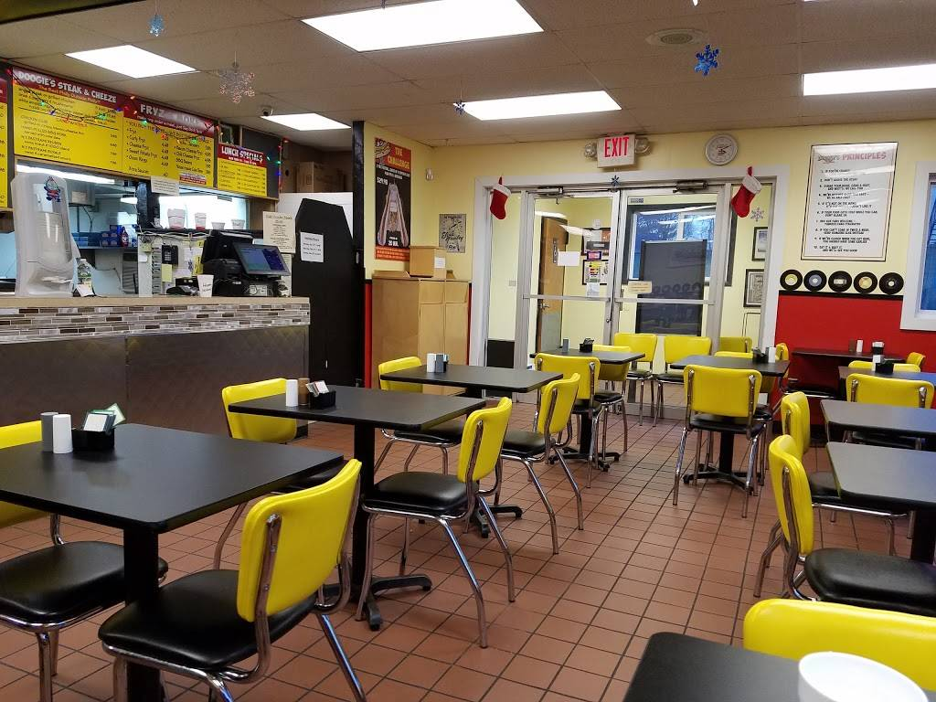 Doogies | restaurant | 2525 Berlin Turnpike, Newington, CT 06111, USA | 8606663647 OR +1 860-666-3647