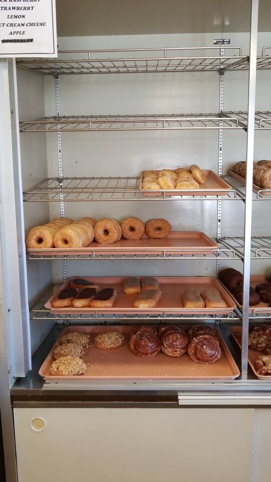 Daylight Donuts | bakery | 1102 S Broadway St, Pittsburg, KS 66762, USA | 6202310570 OR +1 620-231-0570