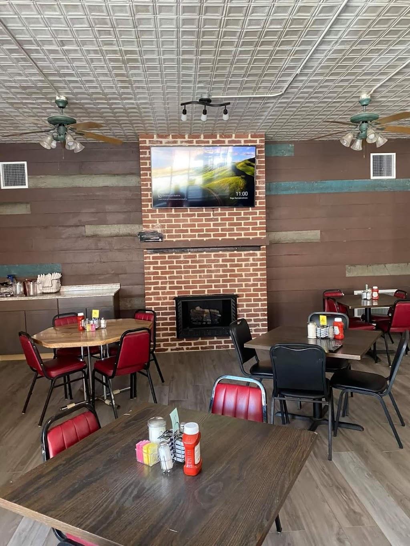 Miss Magnolias   restaurant   702 Cruise St, Corinth, MS 38834, USA   6623960330 OR +1 662-396-0330
