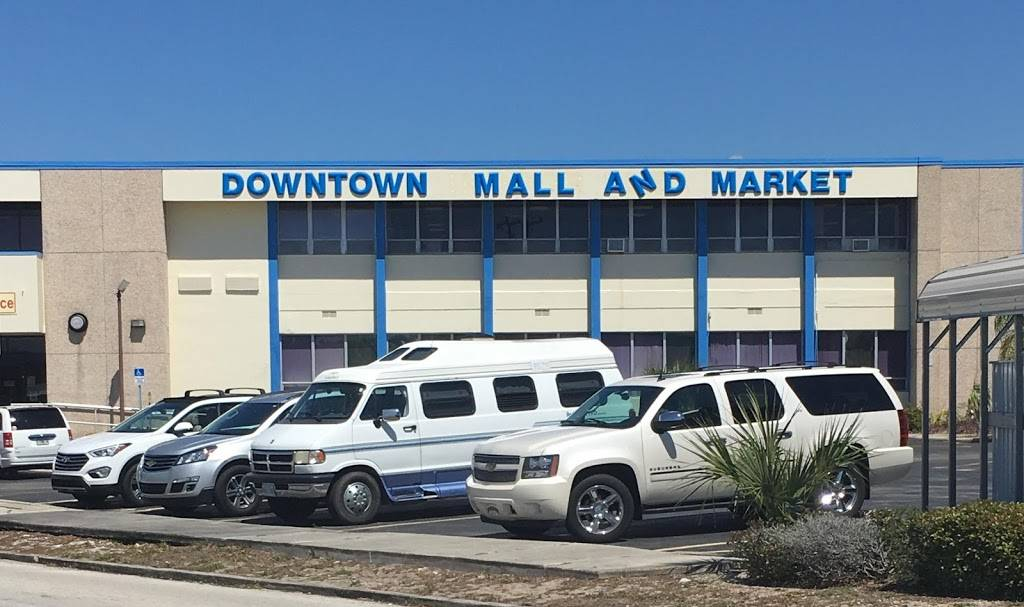 Downtown Mall & Marketplace | shopping mall | 231 S Ridgewood Dr, Sebring, FL 33870, USA | 8634713532 OR +1 863-471-3532