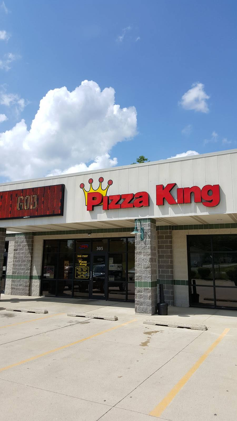 Pizza King | meal delivery | 305 IN-930, New Haven, IN 46774, USA | 2607497337 OR +1 260-749-7337