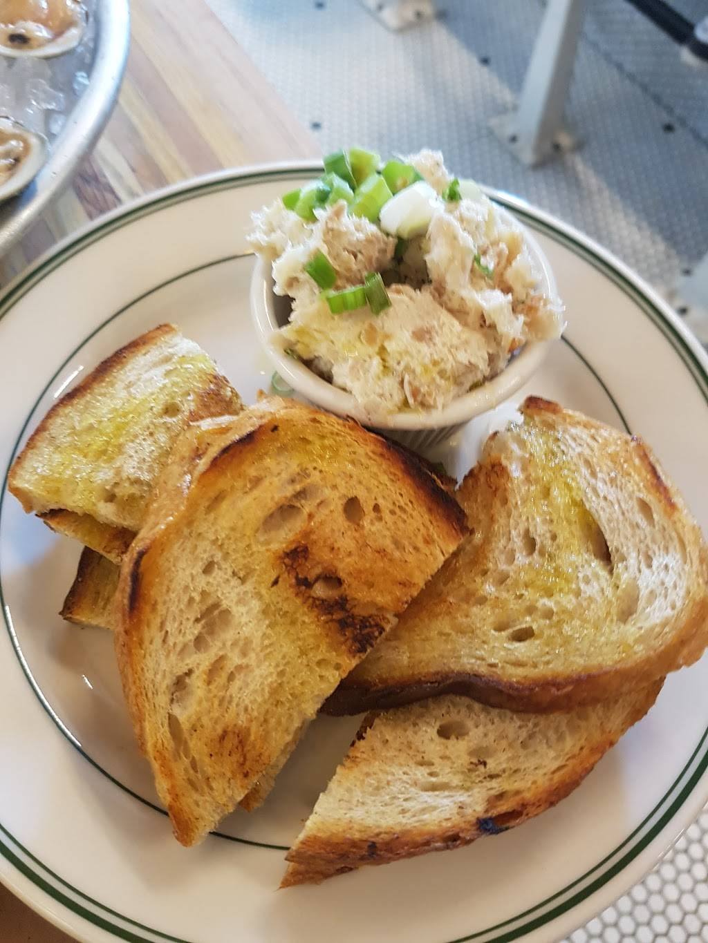 Greenpoint Fish & Lobster Co. | restaurant | 114 Nassau Ave, Brooklyn, NY 11222, USA | 7183490400 OR +1 718-349-0400