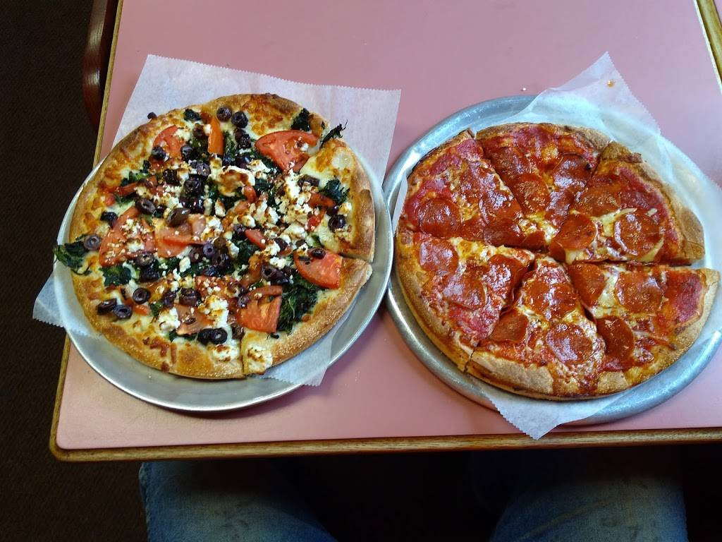 Angelos Pizzeria | restaurant | 241 Main St, Ellsworth, ME 04605, USA | 2076640077 OR +1 207-664-0077