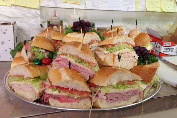 L and L Deli   restaurant   264 US-46, Mine Hill Township, NJ 07803, USA   9733612955 OR +1 973-361-2955