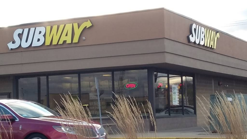 Subway Restaurants   restaurant   River Place Shopping Center, 17050-A, Torrence Ave Suite A, Lansing, IL 60438, USA   7088951007 OR +1 708-895-1007