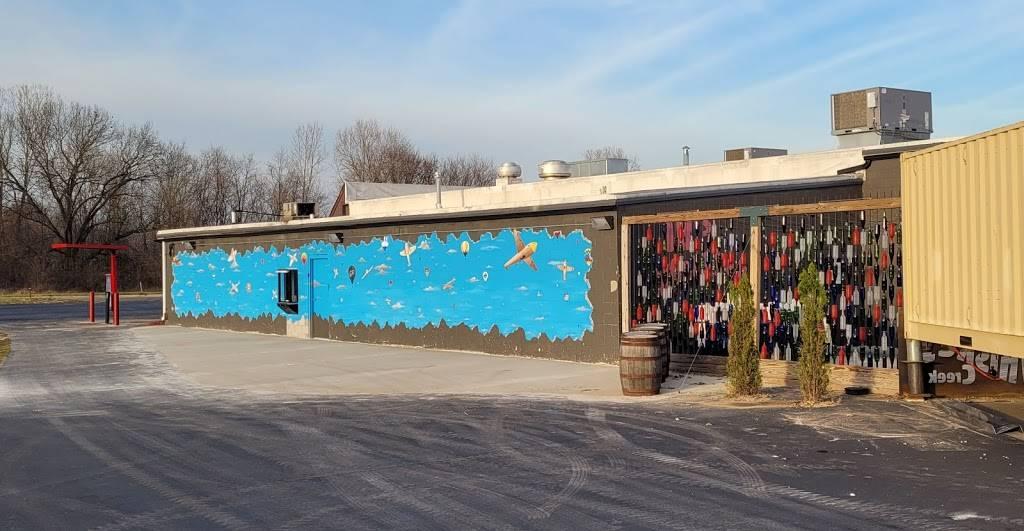 Thunderbolt Chicken Drive-Thru   restaurant   3905 W Dickman Rd, Springfield, MI 49037, USA   2699654511 OR +1 269-965-4511