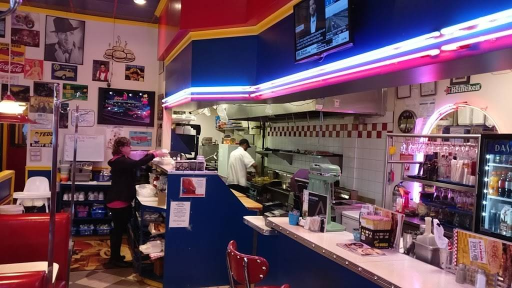 Wimpys Diner | restaurant | 461 Park Rd S, Oshawa, ON L1J 1T8, Canada | 9054327222 OR +1 905-432-7222