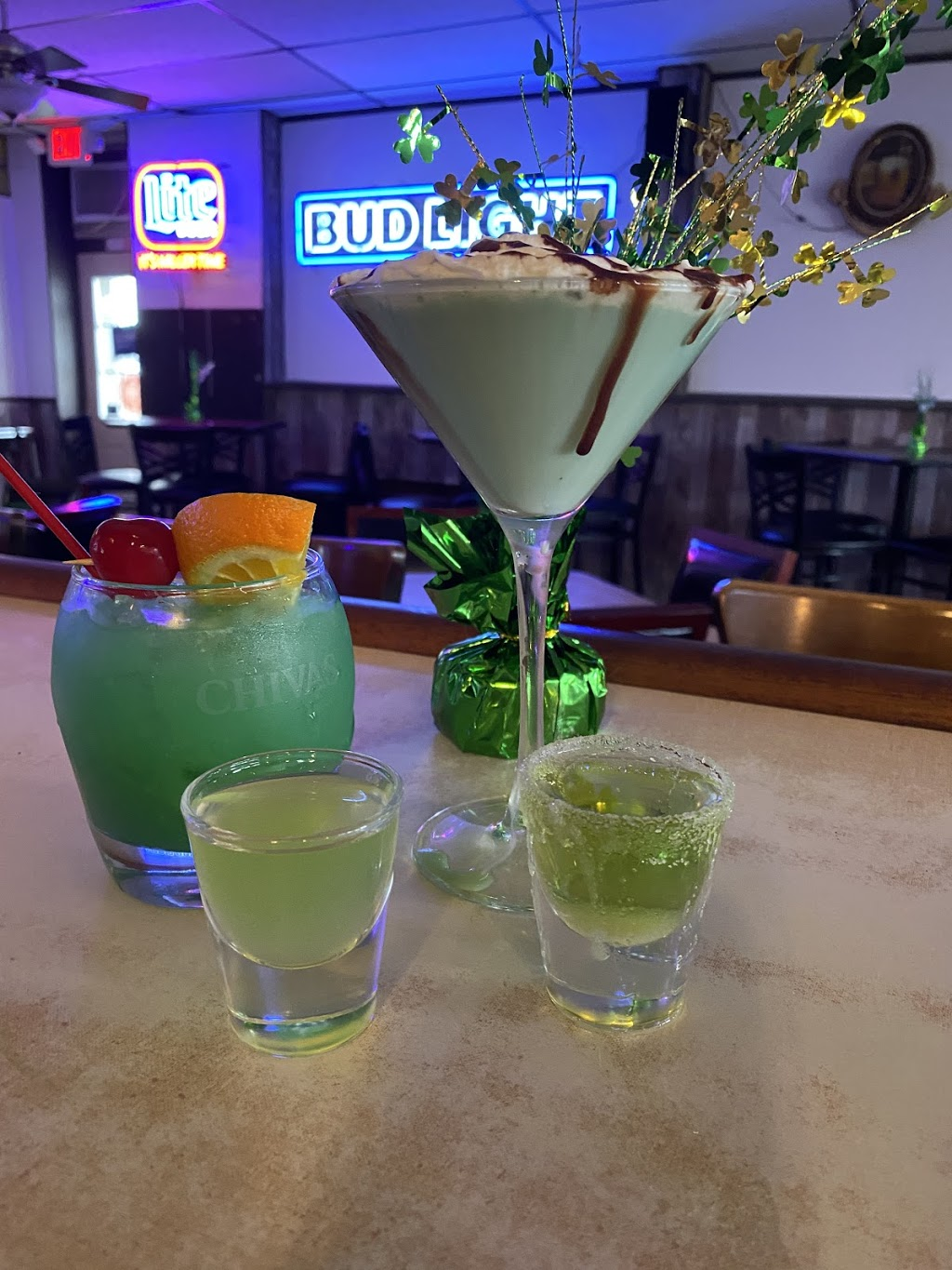 The office bar, grill, pizza too!   restaurant   101 W Station St, St Anne, IL 60964, USA   8154225095 OR +1 815-422-5095