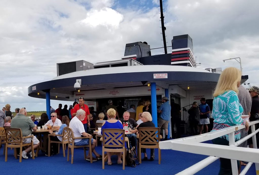 High Seas Lounge   restaurant   7000 FL-544, Winter Haven, FL 33881, USA   8632992233 OR +1 863-299-2233