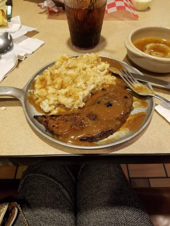 Iron Skillet Restaurant | restaurant | 4700 S Lincoln Ave, York, NE 68467, USA | 4023621776 OR +1 402-362-1776