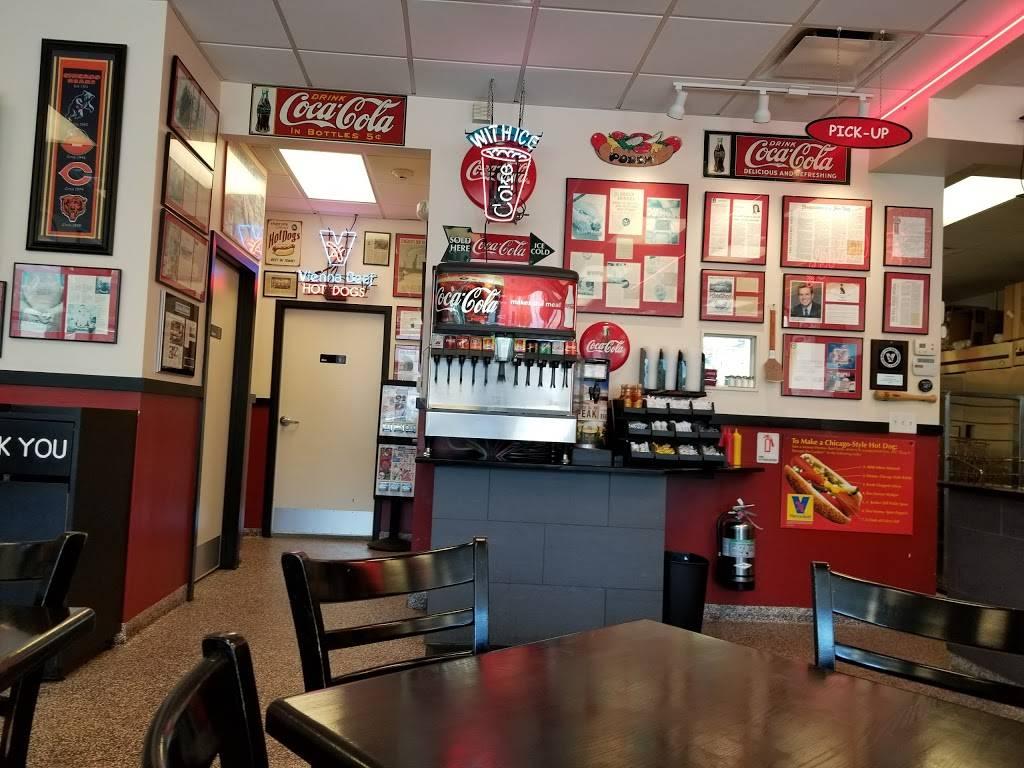 Poochie's   restaurant   3602 Dempster Street, Skokie, IL 60076, USA   8476730100 OR +1 847-673-0100